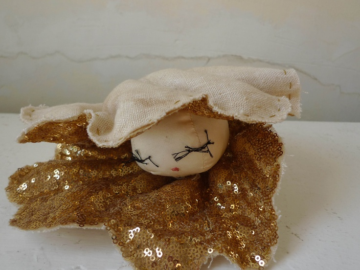 -: Artsy Craftsy, Craft Arts, Kids Stuff, Pearls, Doll Face, Tamar Mogendorff, Kid Stuff, Craft Ideas, Gold Oyster