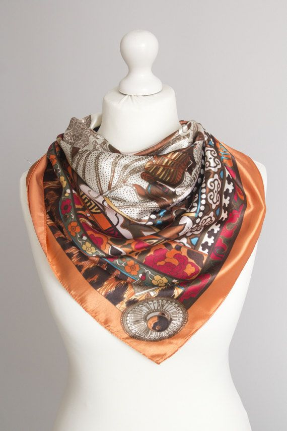 SCARFELIUM Square vintage scarf, retro scarf, polyester scarf, fabric women scarf shawl  Size: 88cm / 34  Fabric: polyester  Good condition Small signs of use