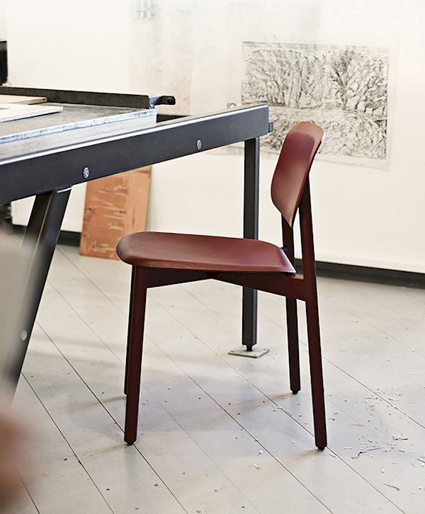 soft edge12 chair fall red stained oak base fall red stained oak rh pinterest com