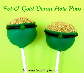 Pot O'Gold Donut Hole Pops - no bake, step by step tutorial to make these St. Patrick's Day treats (from Dollhouse Bake Shoppe)Dollhouse Baking, Baking Shoppe, Donuts Hole, Hole Pop, St Patricks Day, Cake Pop, Classroom Treats, Pots Of Gold, Gold Donuts