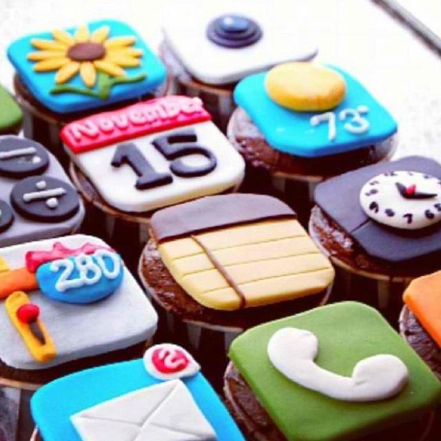 IPHONE Cupcakes, cute!