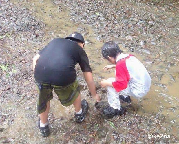 Keke & Naima: Cara Mudah Merawat Sepatu Saat Musim Hujan #catatankekenaima
