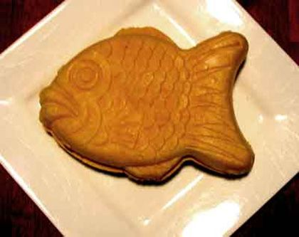 Samanco-Ice-Cream. sorry this is not a recipe but...ITS A FISH SHAPED ICECREAM.