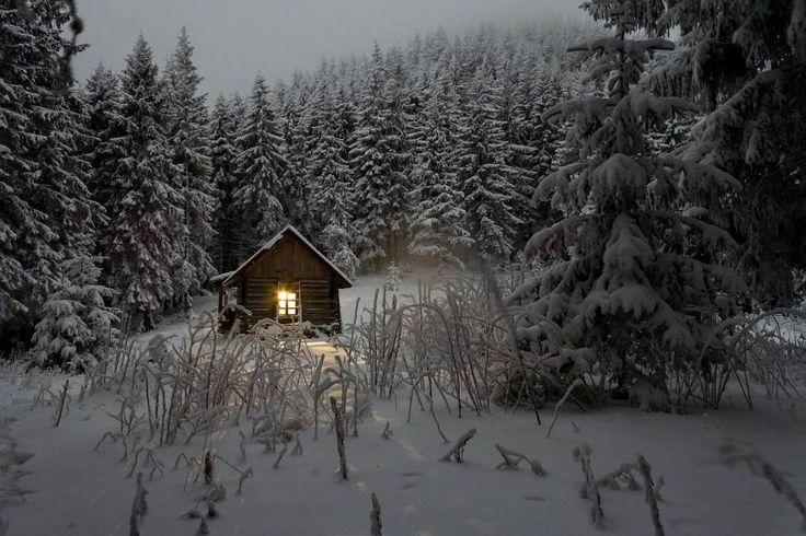 Když dům zasypou sněhové vločky... http://www.drevostavitel.cz/clanek/drevene-chaty-a-chalupy-postavene-na-krasnych-mistech/2656