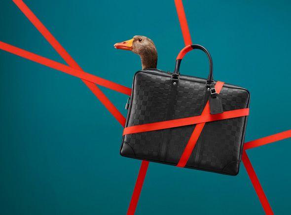 Louis-Vuitton-Noel-2013-Jeu-Oie-Coppi-Barbieri-7