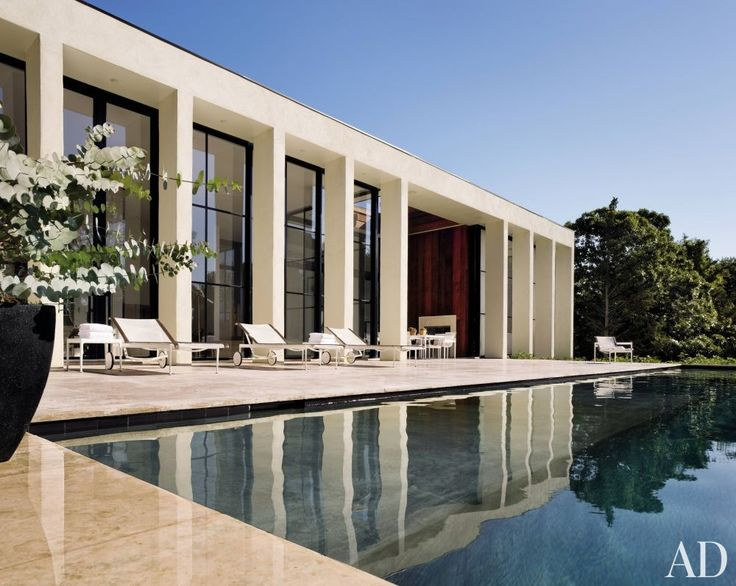 A contemporary East Hampton pool by Michael Haverland