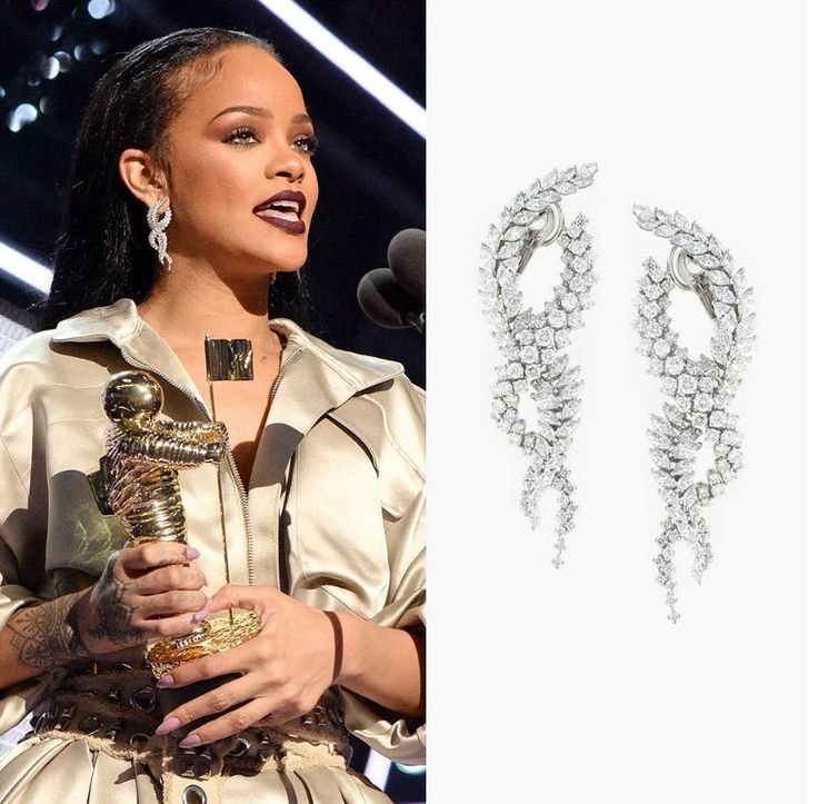 @BadGalRiri did it again at the MTV VMA 2016 Awards. She smashed it with her last on-stage outfit.