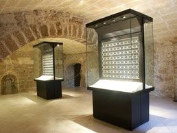VETRINE CENTRALI - Exhibition jewelry display cases, modular jewelry display showcases - Rb Progetti