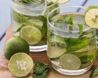 Thé vert glacé à la menthe spécial combustion-Brûle graisse