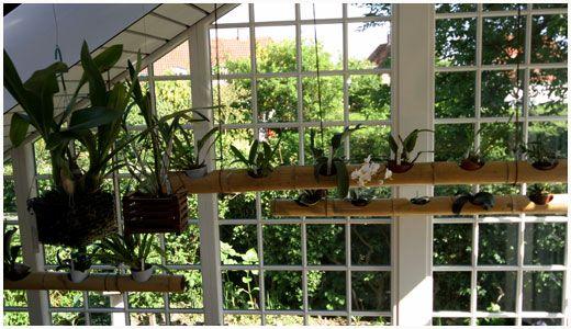 Vor udestue er placeret ud for et øst-vendt vindue, der blev omdannet til dør.