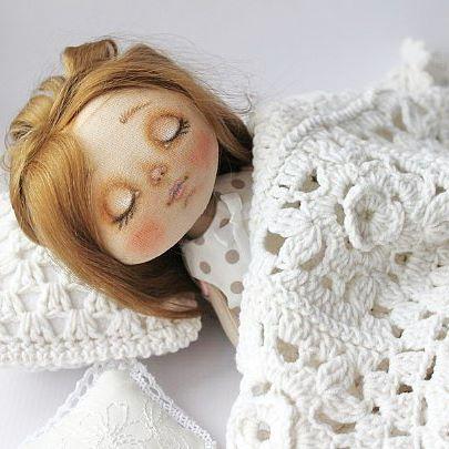 Доброй ночи друзья !  #текстильнаякукла #кукларучнойработы #интерьернаякукла #кукласвоимируками #куклавподарок #куклаизткани#кукла #авторскаякукла #коллекционнаякукла #куклаизткани #ручнаяработа #шьюкукол #подарок #питер #москва #hendmade #doll #artdoll
