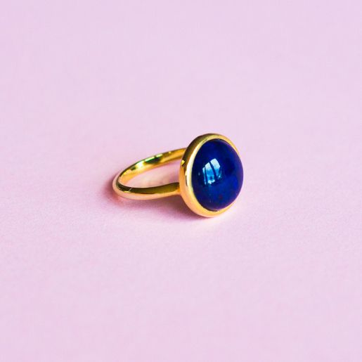 The simplicity of this lapis lazuli cabochon ring is its strength