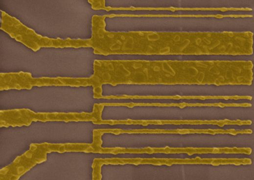 IBM's Carbon Nanotube Advancement Offers New Hope for Replacing Silicon | MIT Technology Review