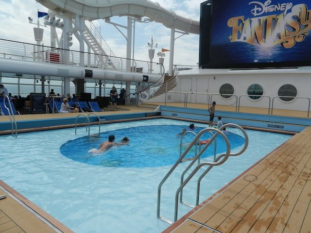 Five items we were glad we had on a Disney Cruise Line cruise (and five we didn't need) - Pitstops for Kids