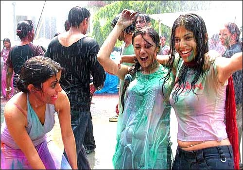 Holi Wallpapers and Pictures