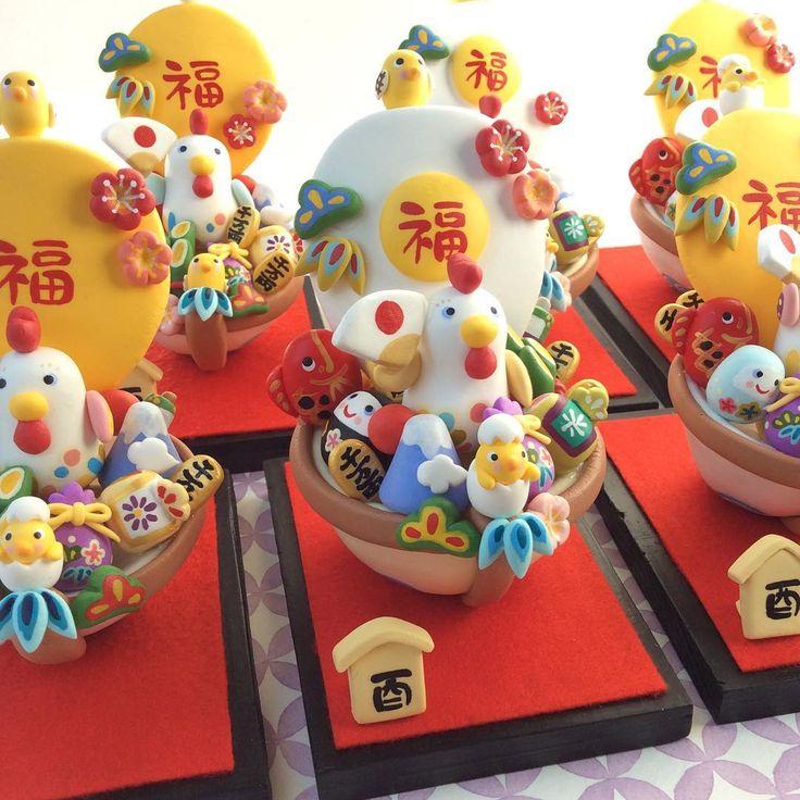 """90 Likes, 22 Comments - イトトモ屋 (@itotomoya2016) on Instagram: """"干支正月飾り🎍親子酉の宝船 * 鶏鍋じゃないですよ!宝船です😅 船は卵型で、帆は目玉焼きと、全体が黄身の2種類あります。ちょっと変わった宝船を飾りたい方は、目玉焼きがオススメです🍳 *…"""""""