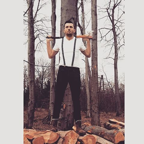 Drwalowanie #drwal #lumberjack #menswear #forest #poland #polska #las #modapolska #modameska #ootd #outfit #siekiera #casual #rebel #drwal #drwaloseksualny #casual #menswear #fashion #style #polishboy