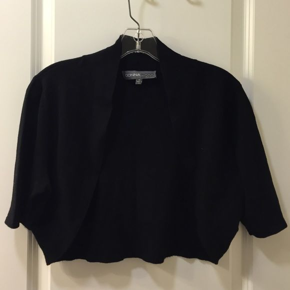 Donna Ricco cropped sweater. Donna Ricco cropped sweater. Great to wear over evening dresses, etc. only worn once. Donna Ricco Sweaters