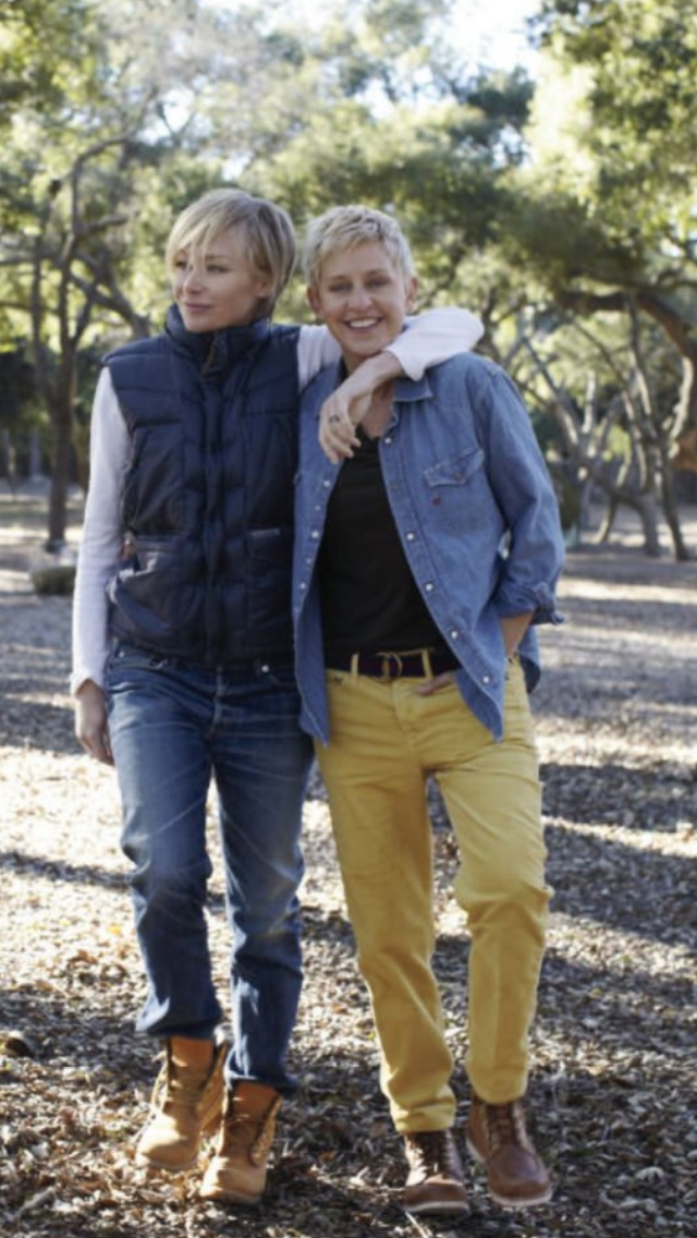 Ellen + Portia. Rockin spring yellow chinos. Not bad.