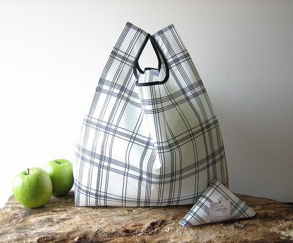 Reusable grocery bag / black and white tartan drawn / tote bag / lunch bag / cotton shopping bag / capacious folding bag / minimalist design