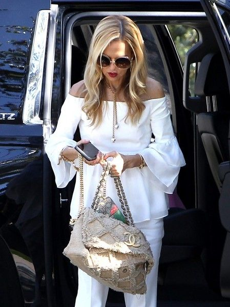 Rachel Zoe Photos Photos - Fashion designer Rachel Zoe looks chic in all white as she arrives at work in Los Angeles, California on March 15, 2017. - Rachel Zoe Steps Out in LA