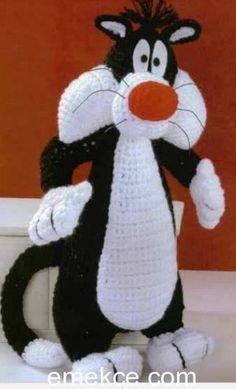 Amigurumi kedi silvestre yapılışı Emekce.com farkıyla sizlerle sizlerde kolaylıkla örebilir. Bu organik oyuncaklarla çocukları sevindirebilirsiniz. Keyifle örebilirsiniz. VÜCUT siyah renkte 15 zinc…