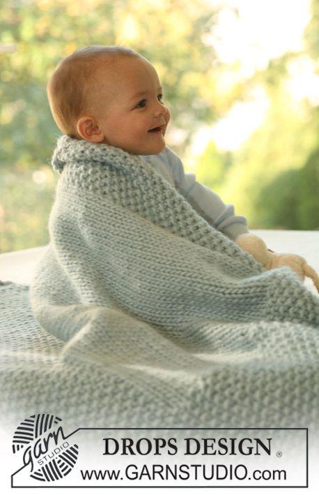 "Knitted DROPS blanket in ""Eskimo"". ~ DROPS Design"