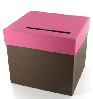 Fabriquée à partir d'un carton rigide, cette urne s'assortira facilement à votre décoration de mariage (de nombreuses couleurs disponibles).