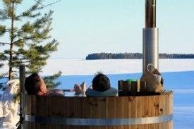 Un bain chaud à l'extérieur ça vous tente ? Pour cela, optez pour le spa finlandais, appelé également hot tub. Connus depuis plus de cinquante ans aux États-Unis, ces bains arrivent en France.