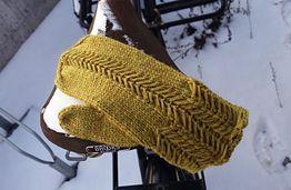 Fiskbensflätsmönstret är en lite annorlunda fläta som man kan sticka utan hjälpsticka. På engelska kallas flätan caliper cable.
