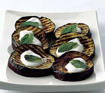 Grilled Eggplant with Yogurt Sauce--perfect vegetarian entree for barbecue gatherings!