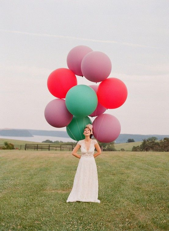 big balloons make for fun weddings