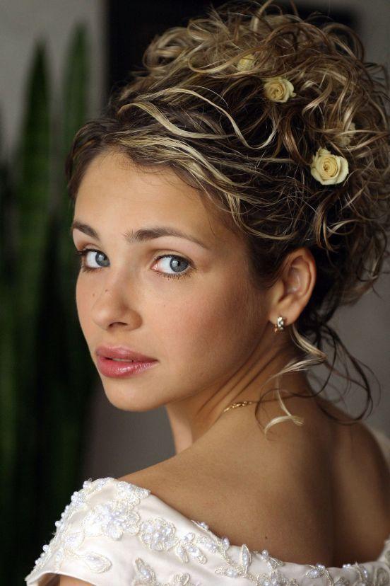 25 penteados para você arrasar no altar | Casar é um barato - Blog de casamento