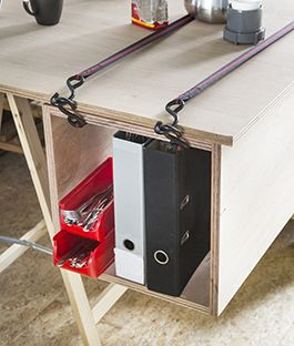 DIY Underlayment desk | Descriptions are in Dutch but drawings are pretty self…