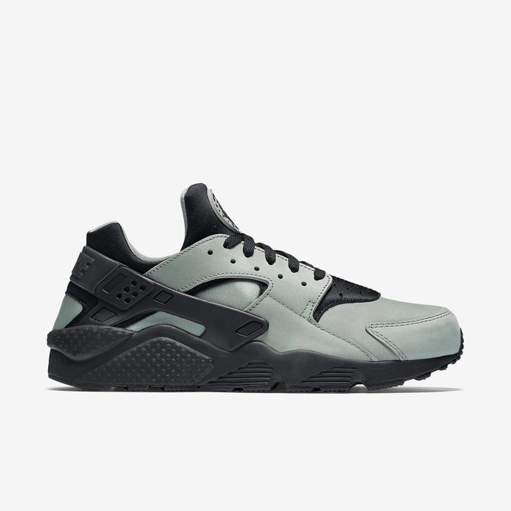 SUPERB CUSHIONING AND STABILITYThe Nike Air Huarache Premium Men's Shoe  features a neoprene and synthetic leather upper and large-volume Air-Sole  unit for a ...