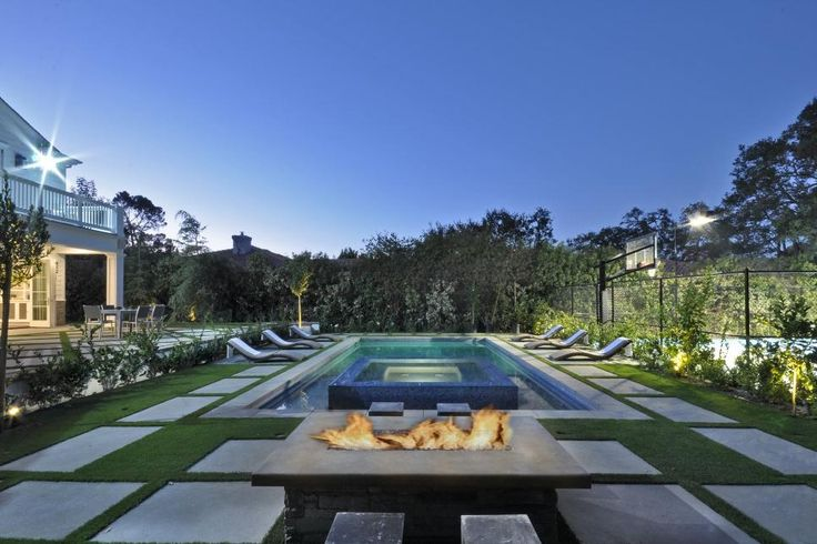 Check Out Backyards That Are Kept Warm With Spectacular