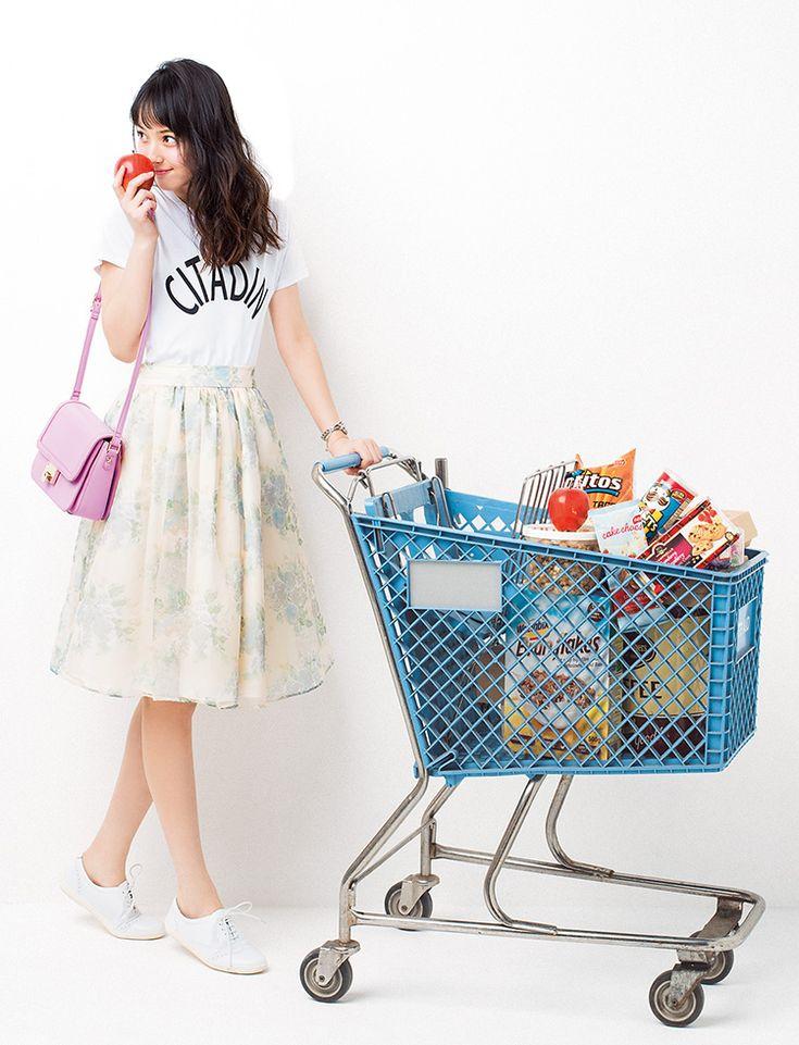 今季大豊作の花柄スカートを佐々木希の上品レディな着まわしでご紹介!いつものスカートをアップデートして、最旬スタイルに挑戦してみて♪佐々木希の着こなしをお手本に、誰より可愛くなっちゃおう♡