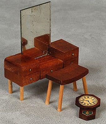 Sminkbord, pall och väggur teak, 150228.jpg