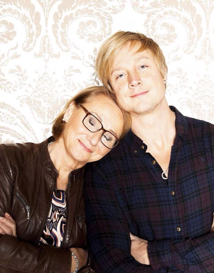 Samu Haber and his mother!