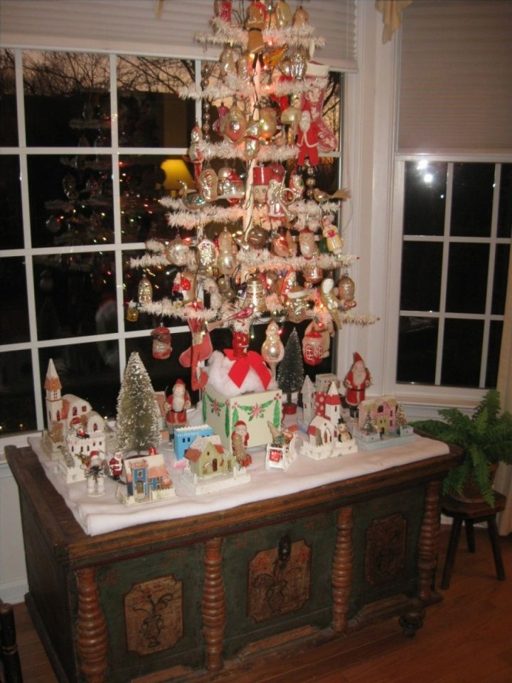 White Feather Tree With Antique Glass Christmas Ornaments. Displayed On A  Antique Dower Chest.