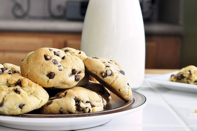 Perfectly Puffy Chocolate Chip Cookies  The secret seems to be butter flavored Crisco and 1T (not 1t) of baking soda.  They turned out to be so good.
