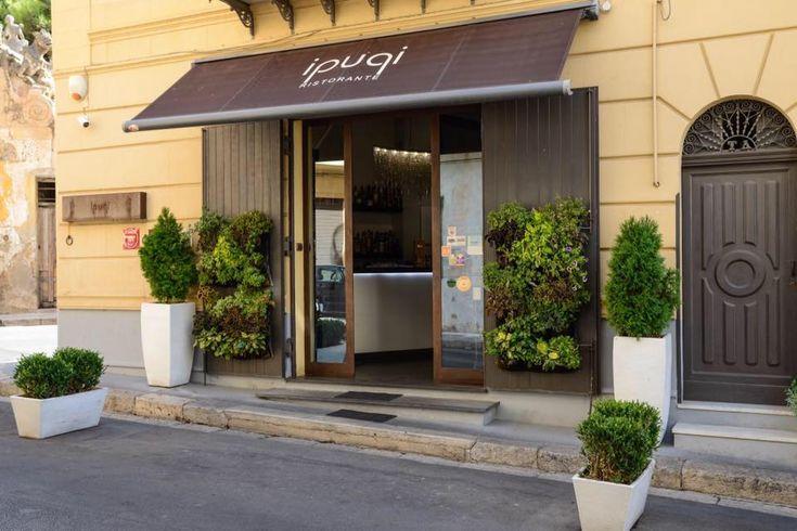 I Pupi restaurant in Bagheria, Sicily