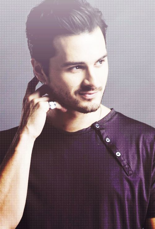 man-candy-monday-michael-malarkey-4