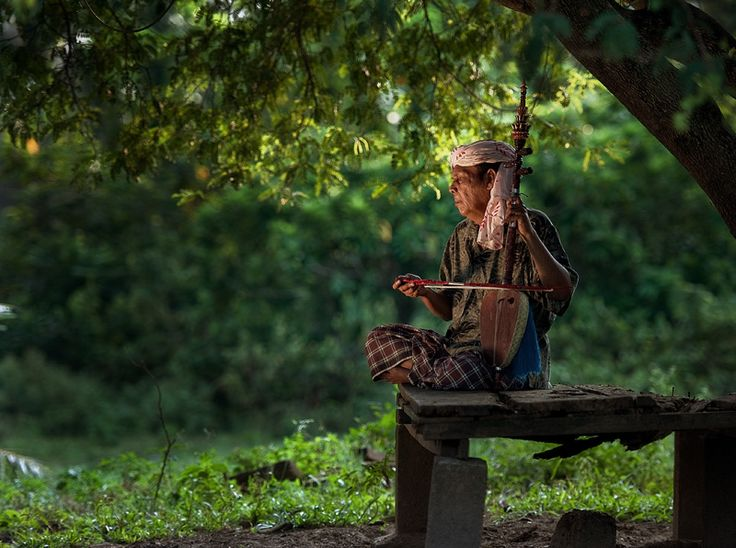 the Rebab player by Yaman Ibrahim: