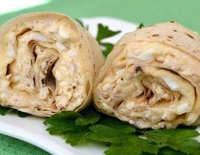 Рулет из лаваша: курица, яйцо, сыр тертый. Вместо майонеза сметана с горчицей или греческий йогурт