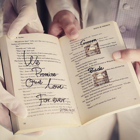 おしゃれな#リングピロー _ いえ、#リングブック ですね.*・_ 結婚式の時間は形には残りにくいですが、アイテム達が形となり残り、より鮮明に記憶を呼び返してくれます・・・♡♥_ #大阪 #梅田 #フォトウェディング #チャペルドコフレ #ウェディング #前撮り #結婚式#ドレス #ウェディングドレス #パーティー#結婚式準備#婚約 #ゼクシィ#花嫁diy #2016swd #2016秋婚 #2016冬婚 #プレ花嫁 #プレ花嫁卒業 #卒花#式場 #結婚 #ヒルトンプラザ #関西花嫁 #大阪花嫁 #花嫁 #マーキーライト #フォトブース