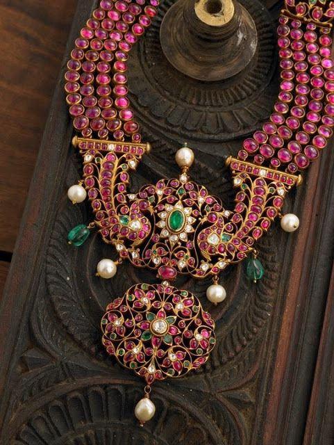 Burmese Ruby and pearls statement necklace. South Indian bridal jewellery.