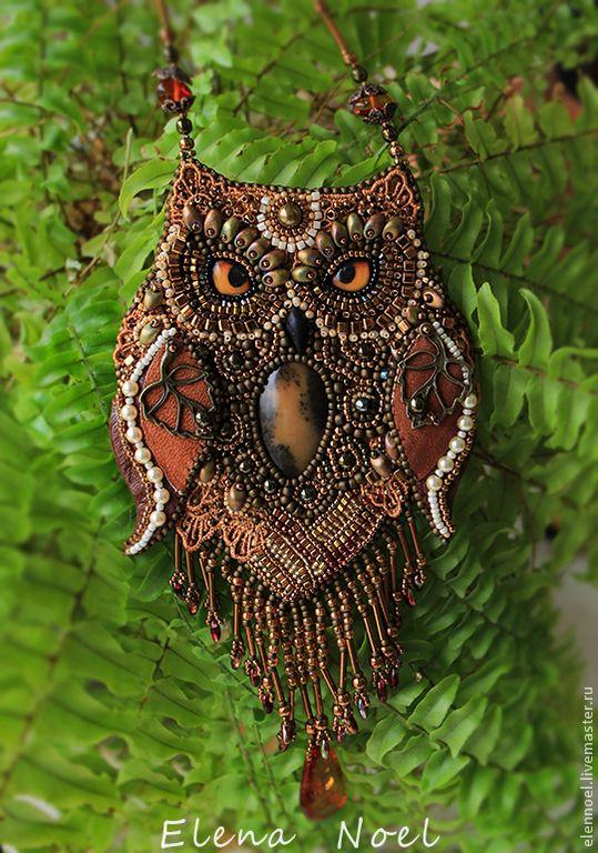 Купить Янтарная сова - Вышитый бисером кулон, авторская ручная работа - коричневый, сова, совушка