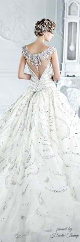 Walking in Winter Wonderland {Michael Cinco Bridal Collection},❥❥HT