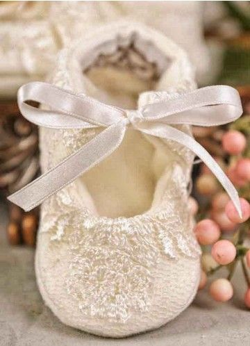 Memory Lace Christening Slippers   Ivory Baby Shoes for Girls